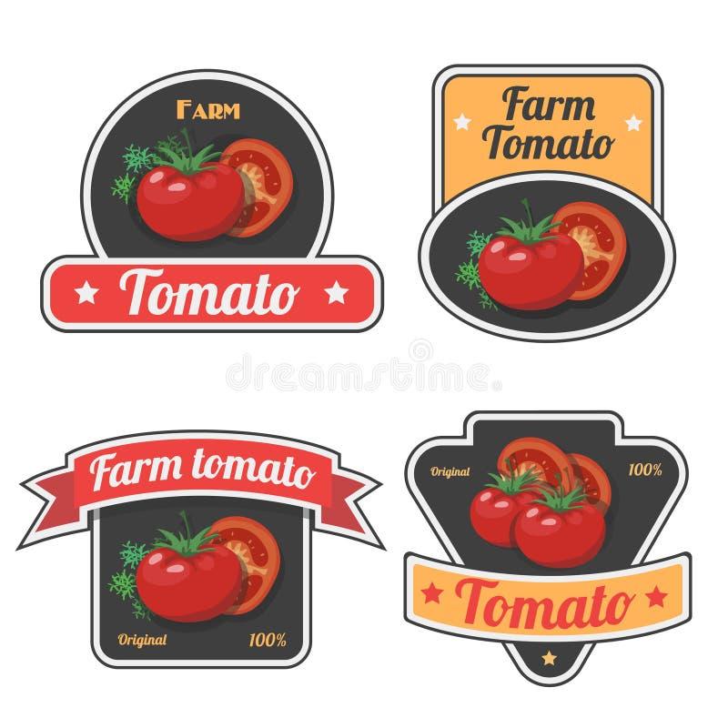Reeks geplaatste tomatenetiketten en symbolen Uitstekend Plantaardig vers landbouwbedrijf, emblemen en kentekens Vector royalty-vrije illustratie