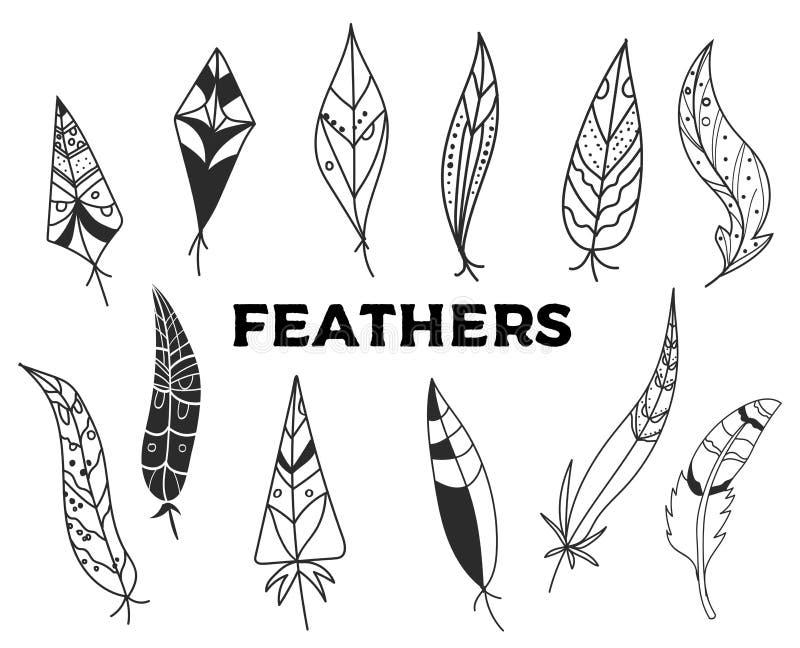 Reeks hand getrokken die veren op witte bacground wordt geïsoleerd Uitstekende gravureillustratie Mooie veren in schetsstijl stock afbeelding