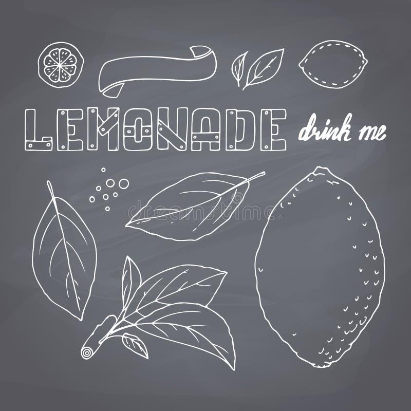 Reeks hand getrokken limonadeingrediënten op bord Dodlecitroen, leves, pictogrammen, embleemmalplaatjes en het van letters voorzi royalty-vrije illustratie
