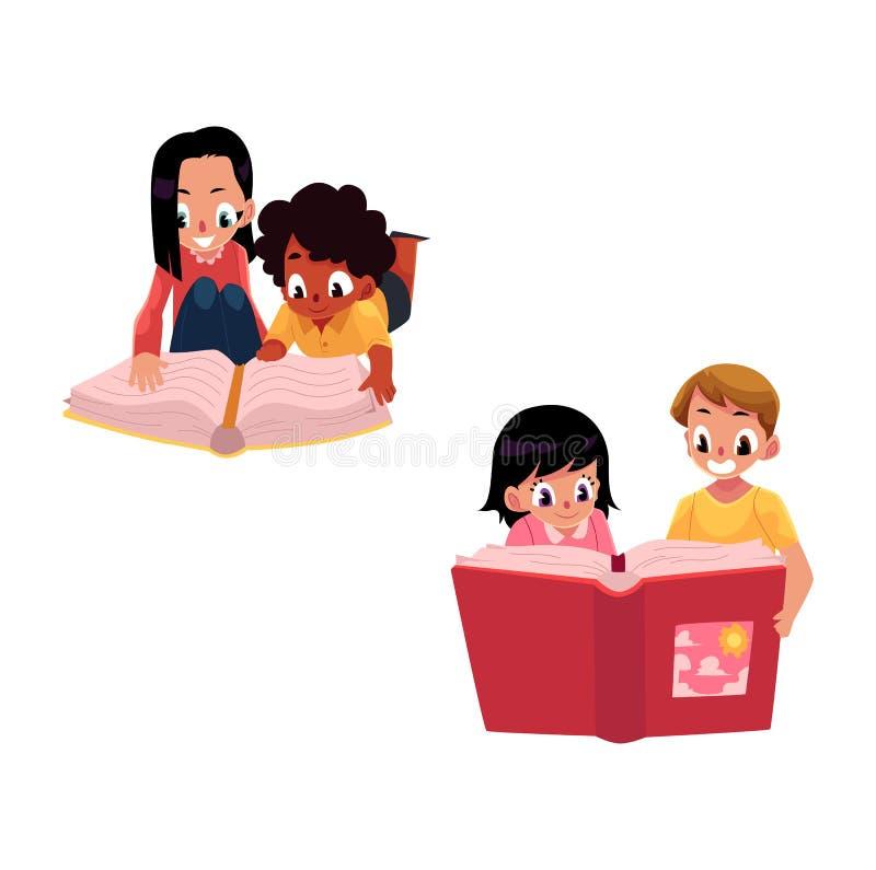 Reeks jonge geitjes, kinderen die dik boek samen lezen royalty-vrije illustratie