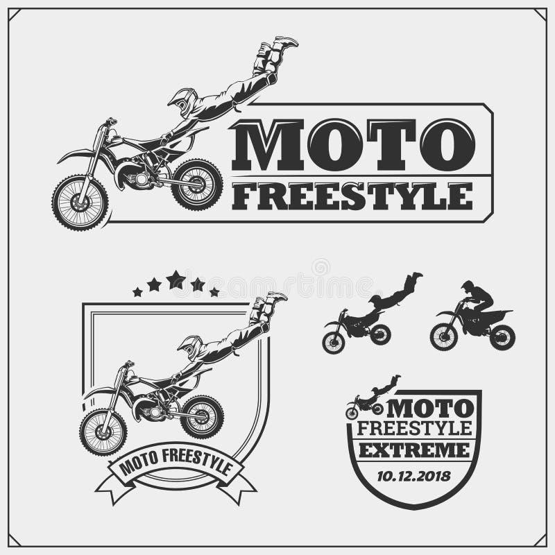 Reeks motorsportsilhouetten, etiketten en emblemen Motocross springende ruiters, motovrij slag vector illustratie