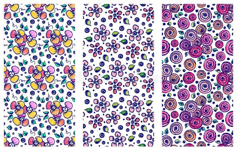 Reeks naadloze vectorhand getrokken bloemenpatronen Achtergronden met bloemen, bladeren Decoratieve leuke grafische illustra van  stock illustratie