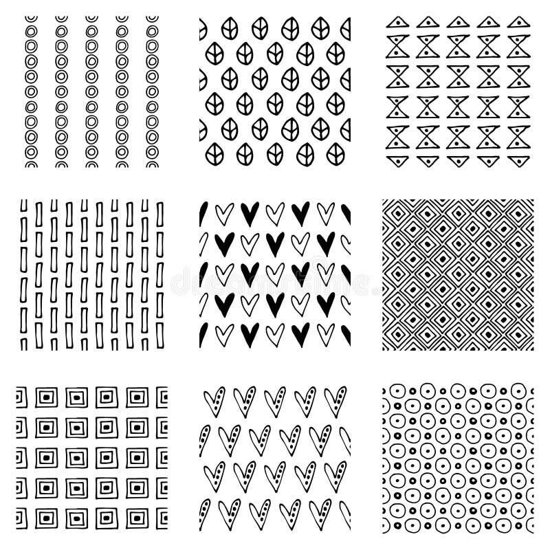 Reeks naadloze vectorpatronen Zwart-witte geometrische eindeloze achtergronden met hand getrokken geometrische vormen, driehoeken royalty-vrije illustratie