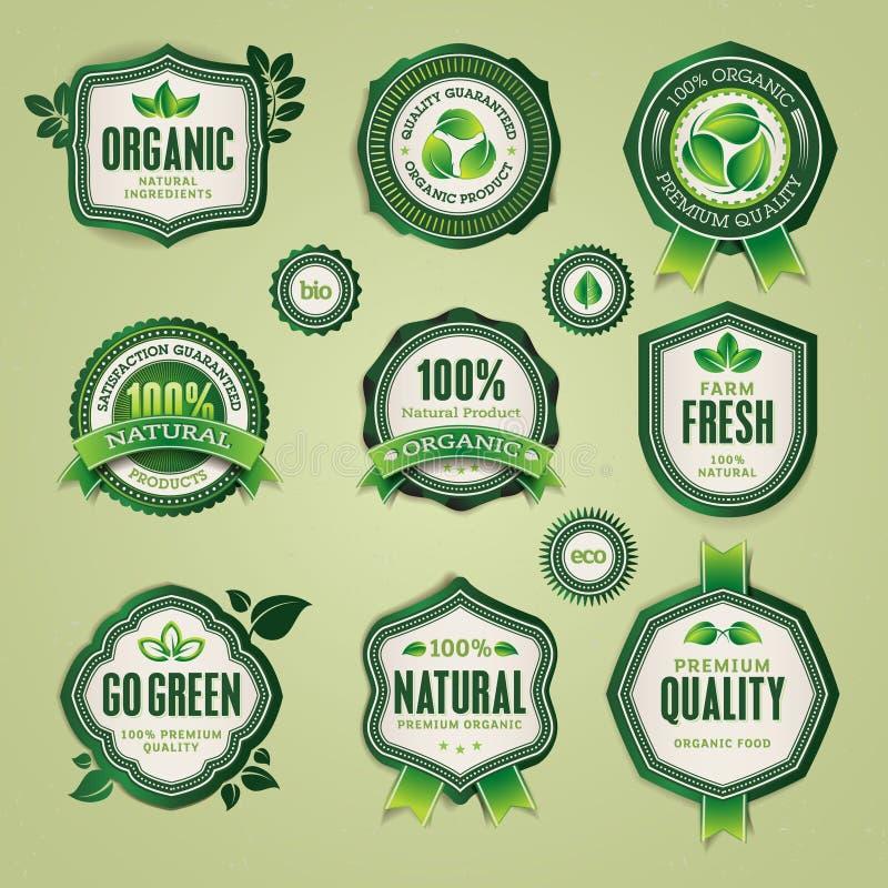 Reeks organische en natuurlijke kentekens en etiketten stock illustratie