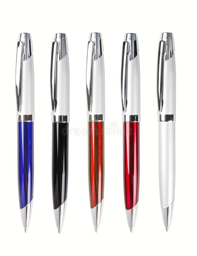 Reeks pennen die op wit wordt geïsoleerdt stock afbeelding
