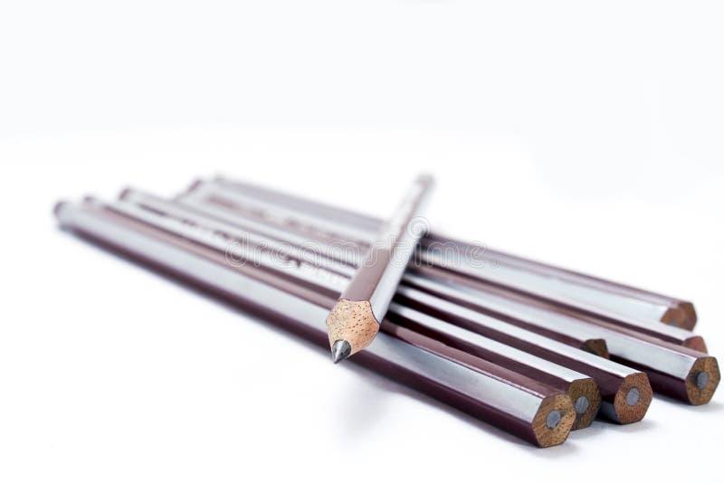 Reeks Potloden met één gescherpt potlood stock fotografie