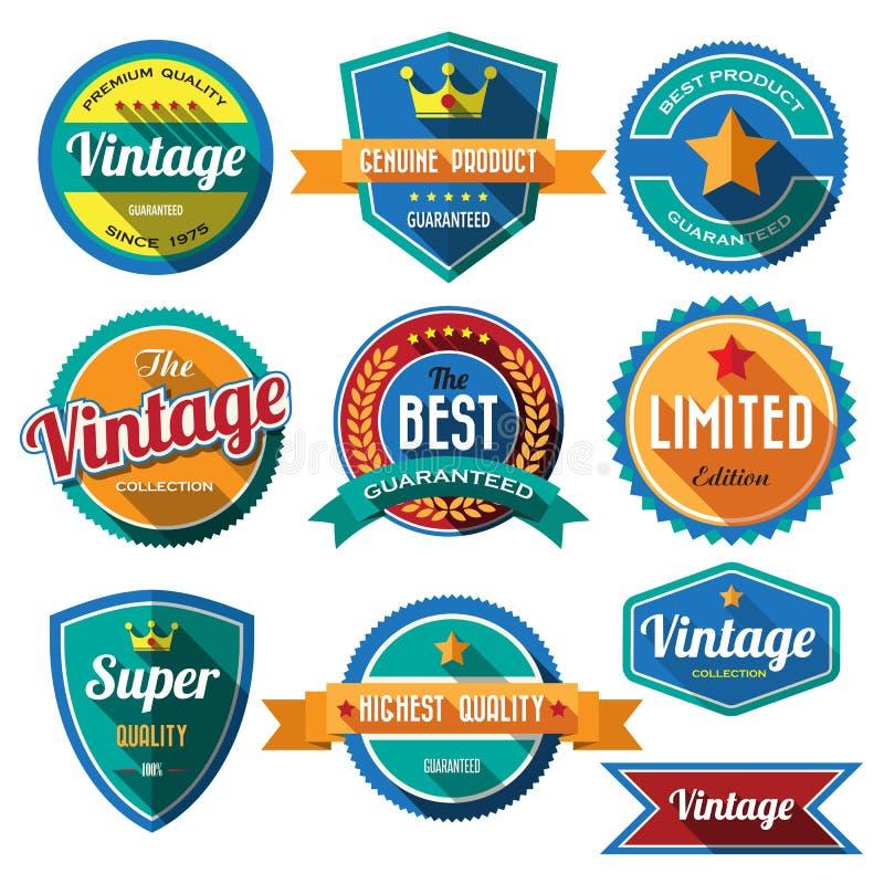 Reeks retro uitstekende kentekens en etiketten. Vlak ontwerp met lange sh royalty-vrije illustratie