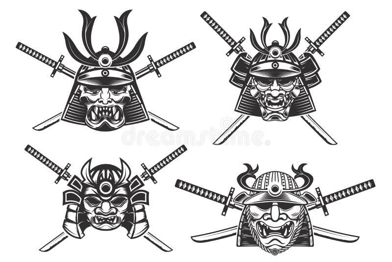 Reeks samoeraienhelmen met zwaarden op witte backgro worden geïsoleerd die royalty-vrije illustratie