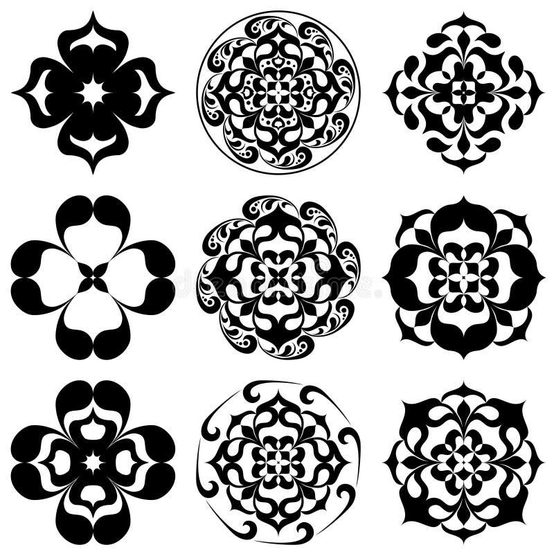 Reeks van caleidoscopische bloementatoo Mandala in zwart-wit stock illustratie