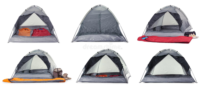 Reeks van comfortabel tenten en het kamperen materiaal op wit stock afbeelding