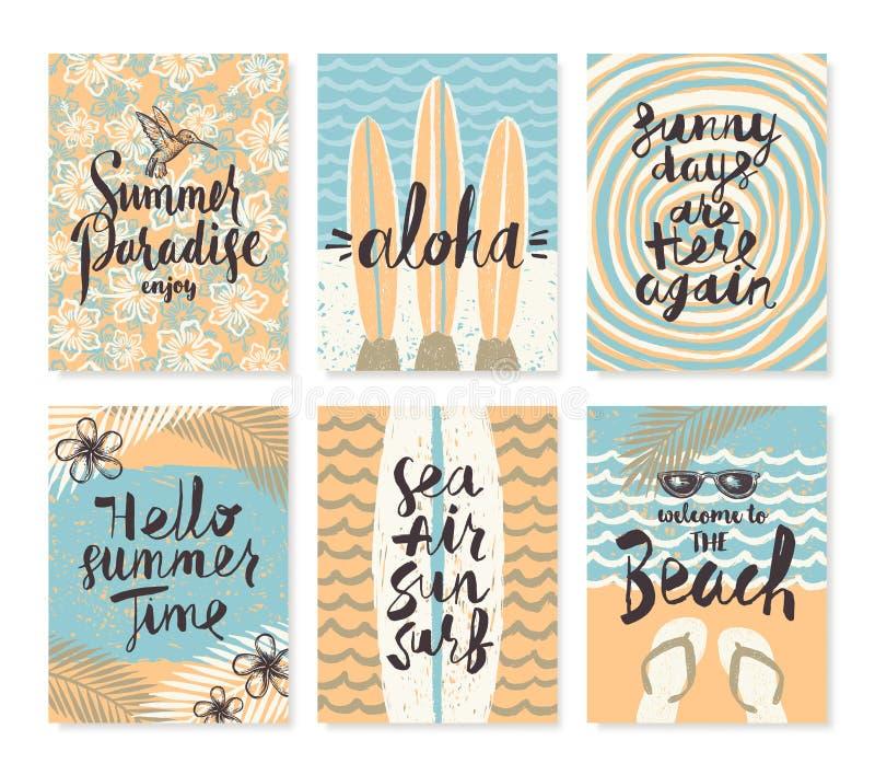 Reeks van de zomervakantie en tropische vakantieaffiches of groetkaart vector illustratie