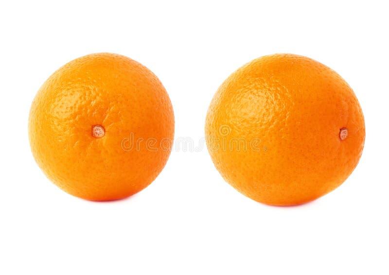 Reeks van oranje die fruit over de witte achtergrond, twee verschillende foreshortenings wordt geïsoleerd stock foto's