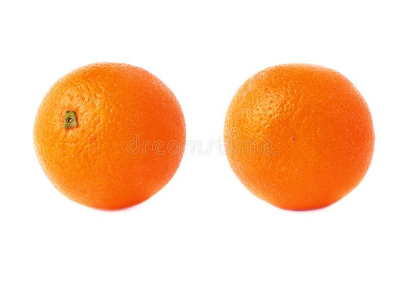 Reeks van oranje die fruit over de witte achtergrond, twee verschillende foreshortenings wordt geïsoleerd stock foto