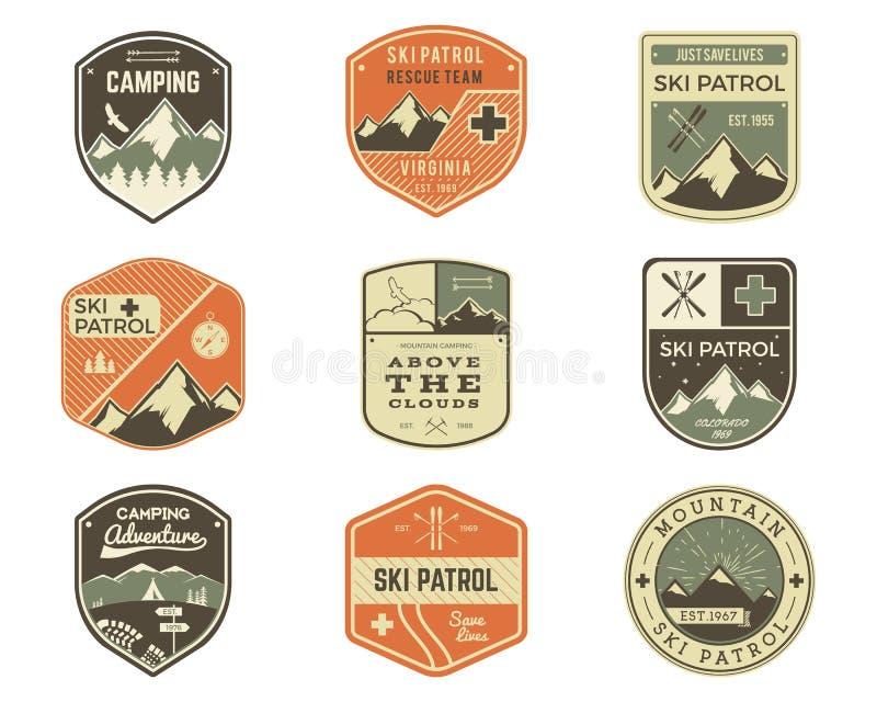 Reeks van Retro stijl Ski Club, Patrouilleetiketten Klassieke Bergelementen stock illustratie