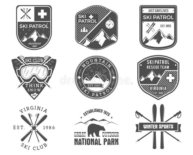 Reeks van Ski Club, Patrouilleetiketten Uitstekende Berg vector illustratie