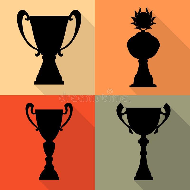 Reeks van vier vectorkoppen van de trofeekampioen in vlakke stijl Kampioenschapsprijzen voor eerste plaats stock illustratie