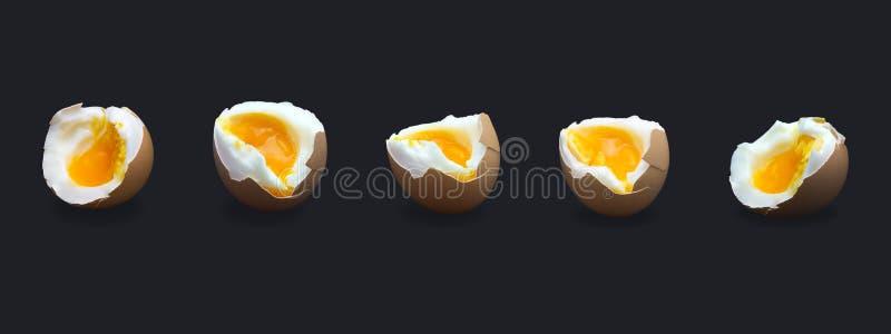 Reeks van vijf gekookt ineenstorting gebroken kippen beige die ei op donkerblauw wordt geïsoleerd Foto van de ei` s de vloeibare  royalty-vrije stock fotografie