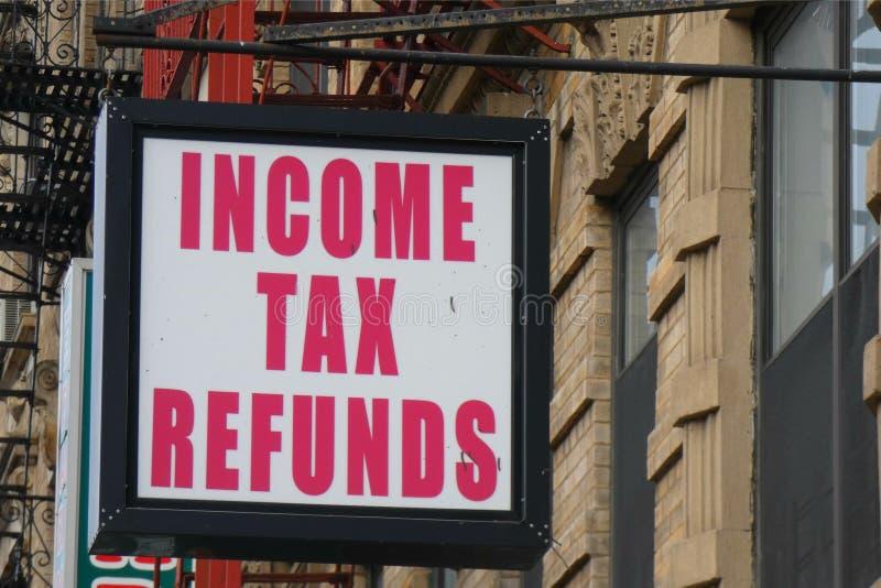 Reembolsos del impuesto sobre la renta imagen de archivo