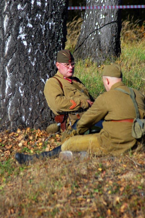 Reenactment сражения Москвы исторический Русские солдаты-reenactors стоковое фото