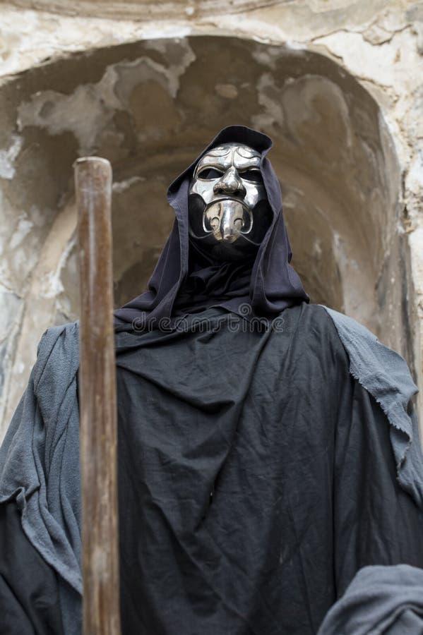 Reenactment histórico de Charon, ferryman de Hades que carr imagens de stock royalty free