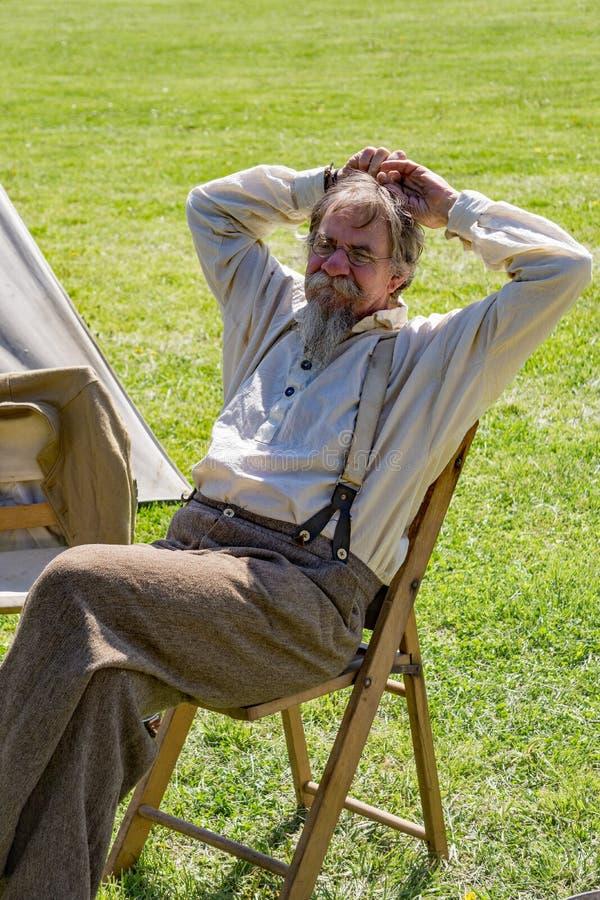 Reenactor на разбивке лагеря Confederate на сражении Buchanan стоковое изображение rf