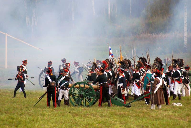 Reenactors kleedde zich als Napoleonic oorlogsmilitairen stock fotografie