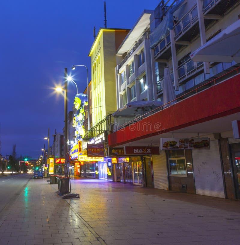 Reeperbahn в Гамбурге к ноча стоковое фото rf