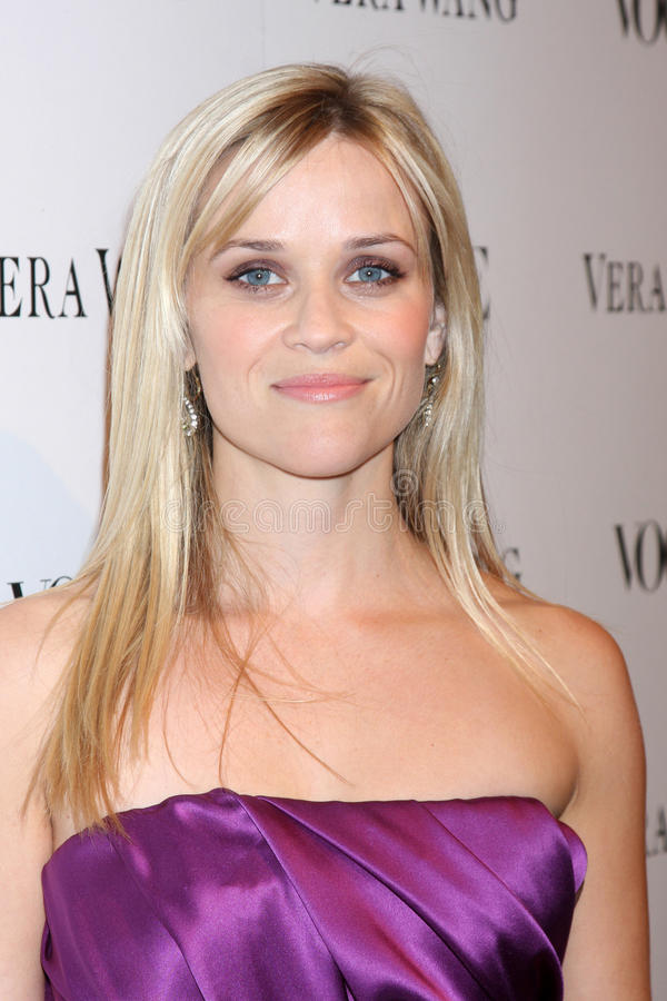 Reese Witherspoon, Vera Wang royalty free stock photos