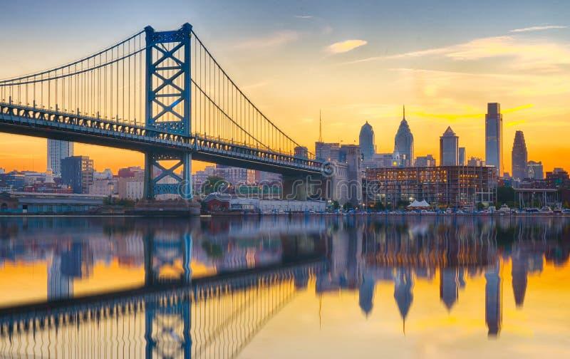 Refection del horizonte de la puesta del sol de Philadelphia imagen de archivo libre de regalías
