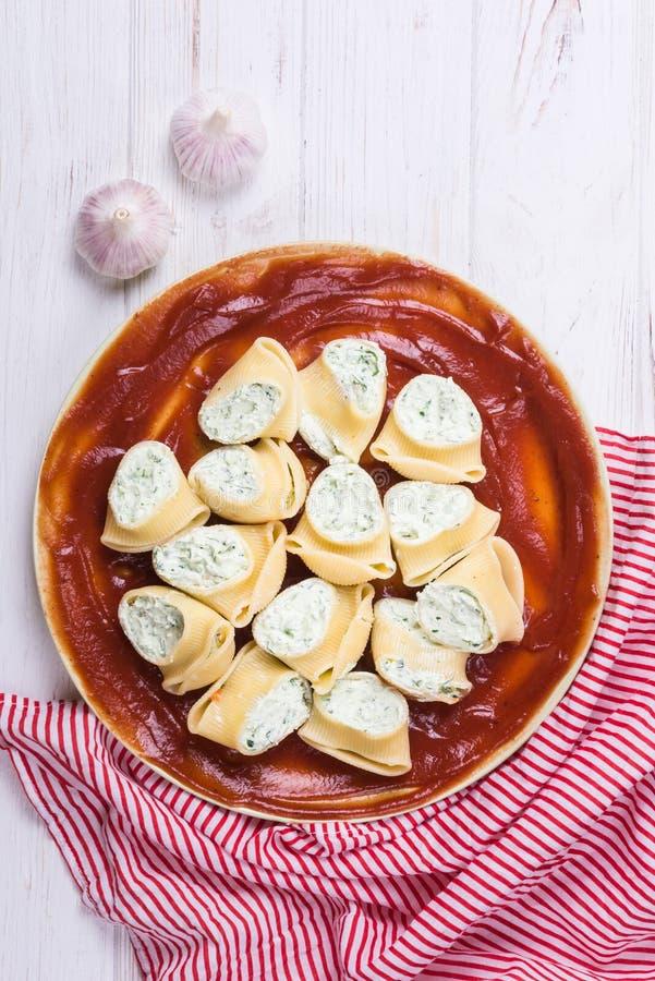 Refeição deliciosa da massa do lumaconi fotografia de stock royalty free