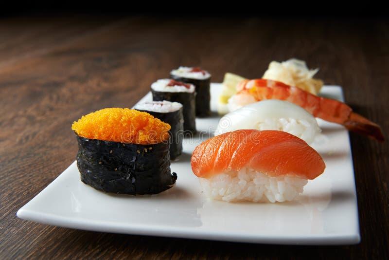 Refeição deliciosa do sushi imagem de stock