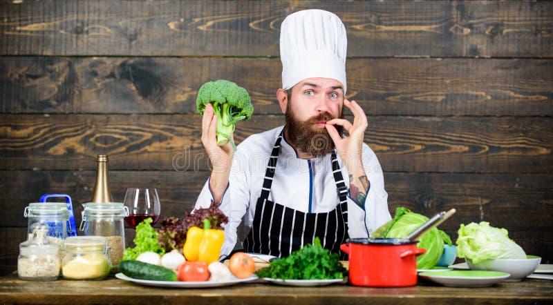 Refeição do vegetariano Alimento biológico Ingredientes frescos somente Conceito culinário da receita Cozimento farpado do modern foto de stock royalty free