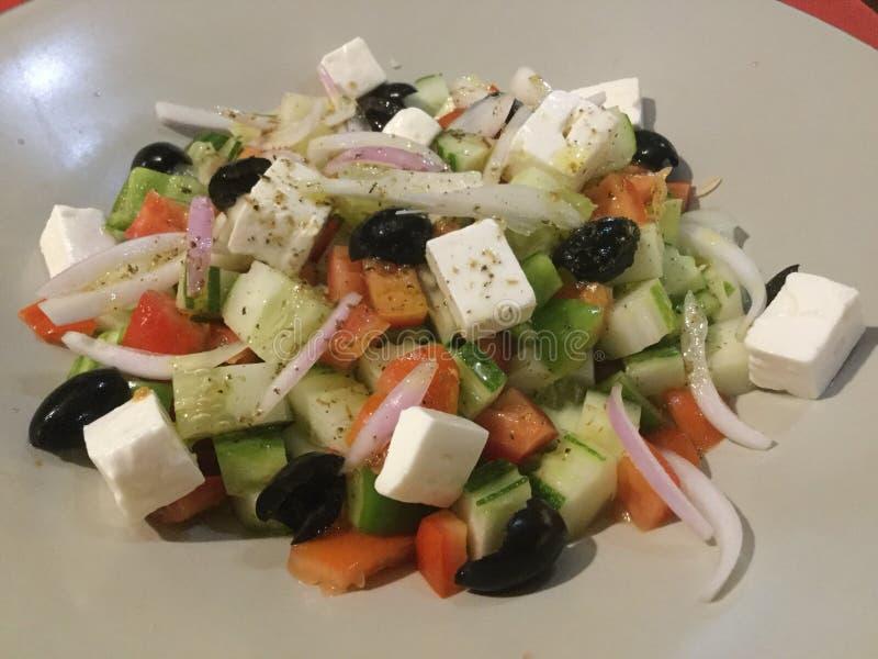 Refeição do vegetariano Salada grega fresca clássico foto de stock royalty free