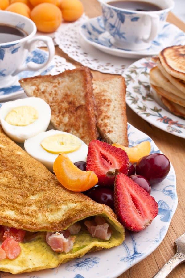 Refeição grande do pequeno almoço fotos de stock royalty free