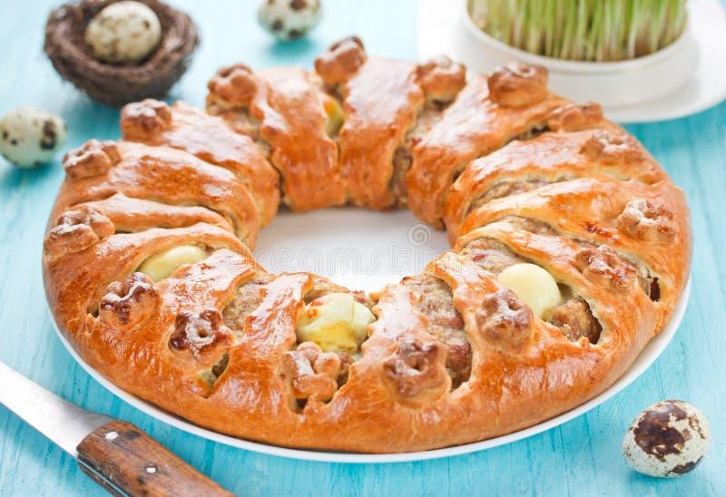 A refeição matinal da carne, do bacon e do ovo soa, receita tradicional da Páscoa fotografia de stock royalty free