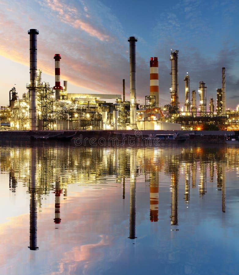 Refinaria de petróleo e gás, indústria energética imagem de stock royalty free