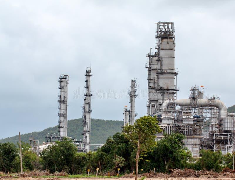 Refinería de petróleo en d3ia imagen de archivo