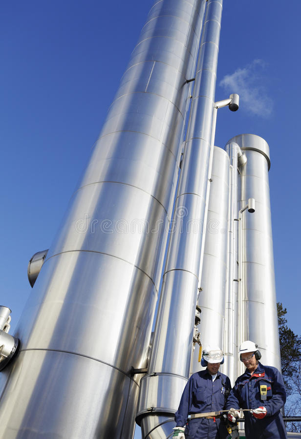 Download Refinery Workers And Oil Industry Stock Image - Image: 23306613