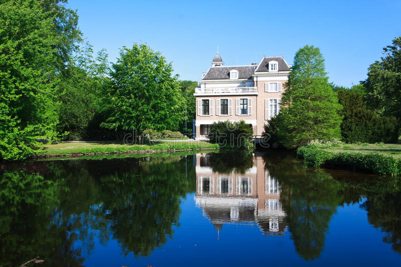 Download Reflection Of Townhouse House Stock Image - Image: 19767377