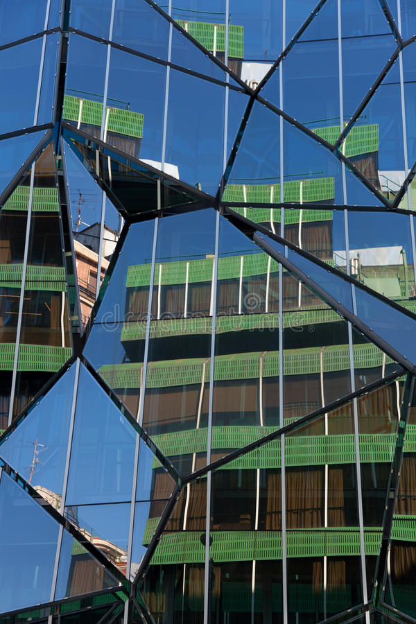 Refleje de la construcción en Bilbao foto de archivo
