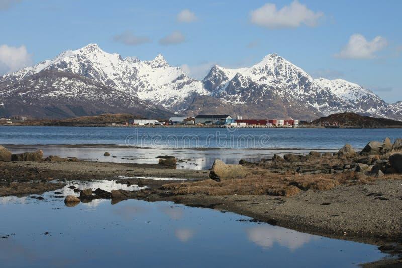 Reflejo en fiordo II de s de Busknes ' fotografía de archivo libre de regalías