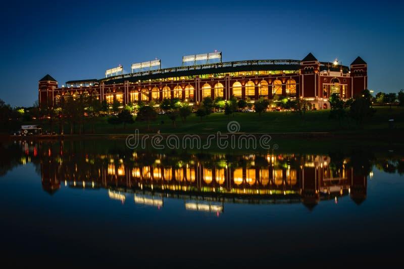 Reflekterad basebollarena arkivbilder