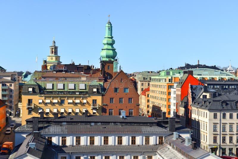 reflekterad flod för stadskremlin liggande natt Sikt av Stockholm gamla tak arkivfoton