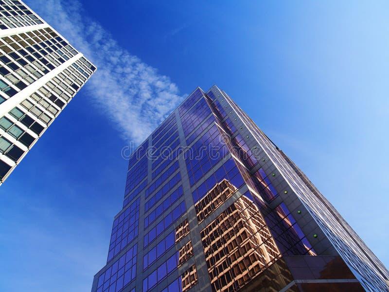 reflekterande byggnader royaltyfria foton