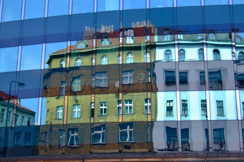 reflekterat hus arkivfoton