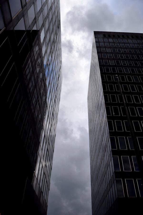 Reflekterat torn royaltyfria bilder