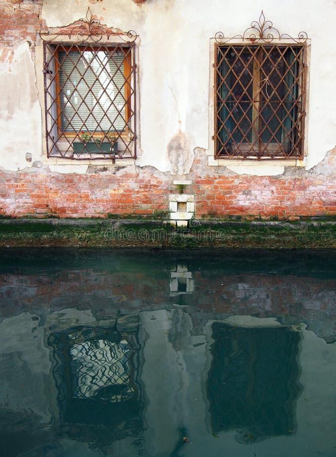 Reflektierte Fenster - Venedig lizenzfreie stockfotos