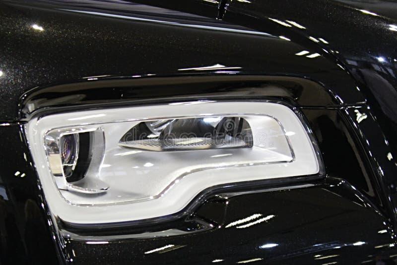 Reflektoru szczegół nowożytna luksusowa angielska limuzyna zdjęcia stock