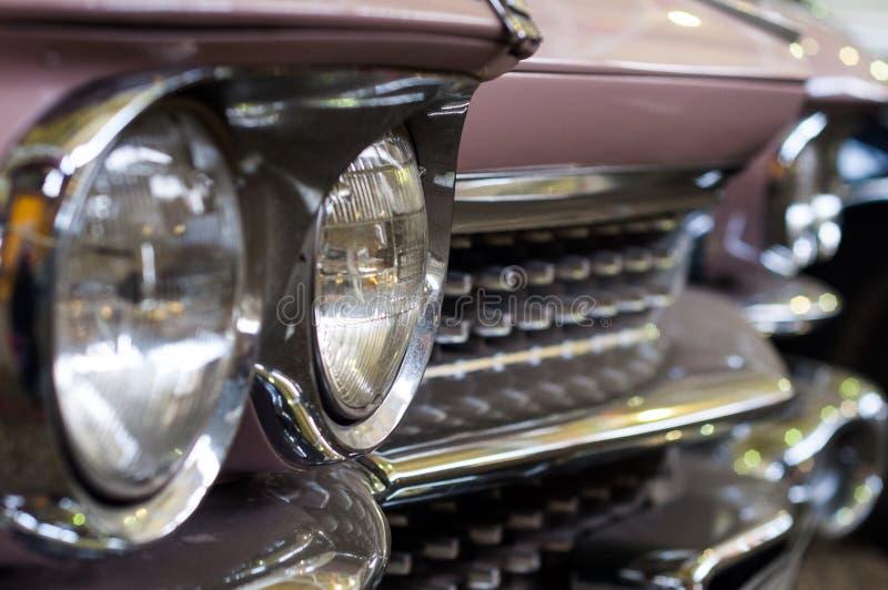 Reflektory różowy retro samochód obrazy royalty free