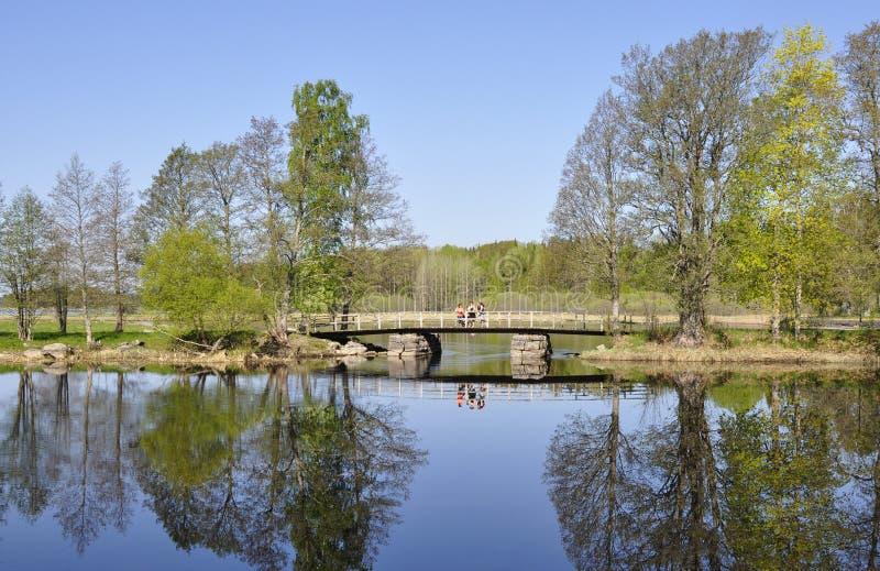 Reflexão calma do lago imagens de stock royalty free